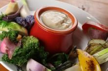 色々季節野菜たちの温野菜 バーニャカウダ仕立て