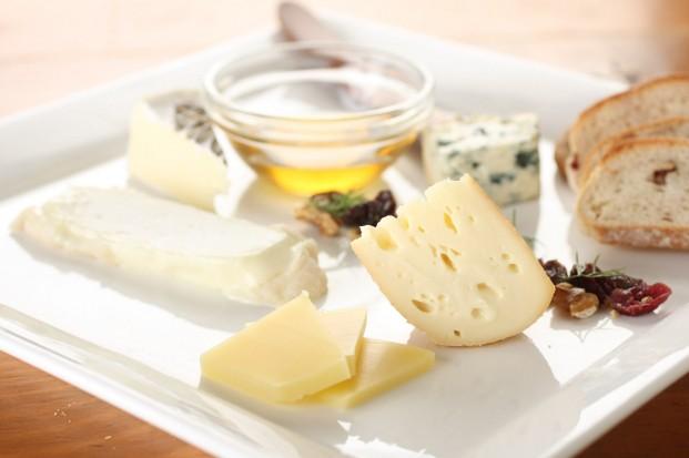 本日のチーズ盛り合わせ