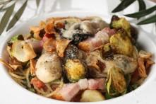 牡蠣と季節野菜のスパゲッティーニ(ガーリックオイル)