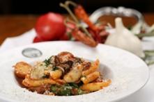 牡蠣のペンネアラビアータ(チリトマトソース)