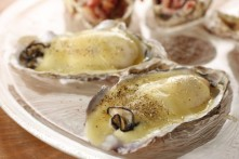 牡蠣のラクレットチーズ焼き