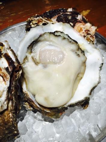 台風シーズンと岩牡蠣の話