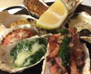 焼き牡蠣サンプラープレート 全ての焼き牡蠣の盛り合わせ
