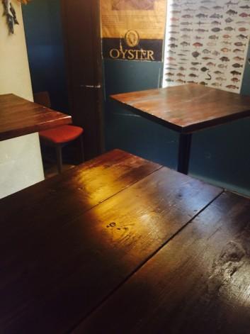 FISH HOUSEのテーブルの話